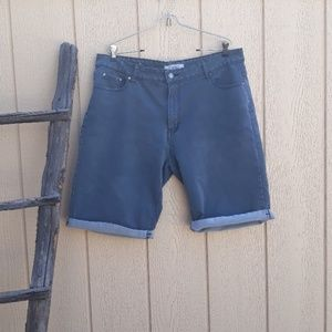 High Waist Bermuda City Shorts Faded  Puzzle 17/18